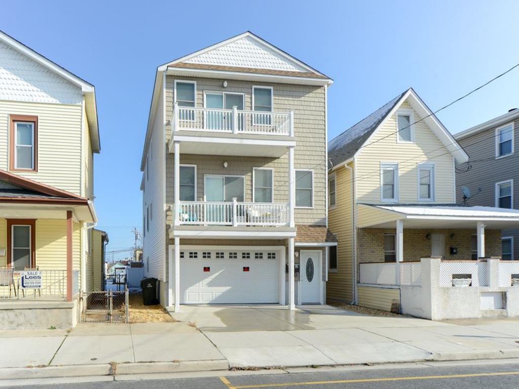 217 EAST GARFIELD AVENUE #200 IN WILDWOOD - Four bedroom, two bath condo located 1.5 blocks to the beach and boardwalk. Home offers a full kitchen with range, fridge, icemaker, dishwasher, microwave, toaster and coffeemaker. Amenities include central a/c, wifi, coal grill, outside shower, and 2 car off street parking. Sleeps 11; 2 queen, 5 twin, and queen sleep sofa. Wildwood Rentals, North Wildwood Rentals, Wildwood Crest Rentals and Diamond Beach Rentals in all price ranges for weekly, monthly, seasonal and weekend vacation rentals plus Wildwood real estate sales of homes, condos, vacation and investment properties in and around Wildwood New Jersey. We offer over 400 properties plus exclusive vacation homes so you can book the shore rental of your choice online and guarantee your vacation at the Shore. Rent with confidence at Island Realty Group!