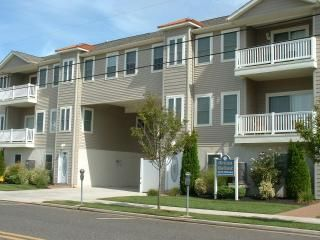 317 East 24th Avenue, Ocean Hollow condominiums 3 bedroom, 2.5 bath vacation home located 2 blocks to the beach and boardwalk in North Wildwood. Home has a full kitchen with range, fridge, microwave, dishwasher, coffeemaker, blender and toaster. Amenities include: pool, central a/c, balcony, washer/dryer, and two car off street parking. Sleeps 9; 2 queen, full/twin bunk bed, and queen sleep sofa.