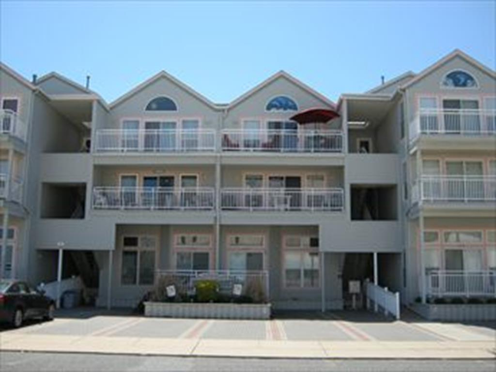 424 EAST LOUISVILLE AVENUE- WYNDMERE CONDOS #201 - WILDWOOD CREST BEACHBLOCK SUMMER VACATION RENTALS - Two bedroom, two bath vacation home with ocean views! Home offers a full kitchen with range, fridge, dishwasher, microwave, toaster, disposal, coffeemaker. Sleeps 6;queen, two twin, and queen sleep sofa. Amenities include central a/c, wifi, outside shower, balcony, gas bbq, washer/dryer, 2 car driveway. Steps to the beach!. Wildwood Crest Rentals, North Wildwood Rentals, Wildwood Rentals and Diamond Beach Rentals in all price ranges for weekly, monthly, seasonal and weekend vacation rentals plus Wildwood real estate sales of homes, condos, vacation and investment properties in and around Wildwood New Jersey. We offer over 400 properties plus exclusive vacation homes so you can book the shore rental of your choice online and guarantee your vacation at the Shore. Rent with confidence at Island Realty Group! Visit www.wildwoodrents.com to book online or call our office at 609.522.4999. Our office at 1701 New Jersey Avenue in North Wildwood is open 7 days a week!