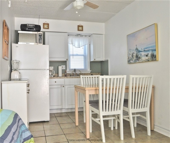 Estate Sales Near Me This Weekend: A SHORE VIEW CONDOS #213