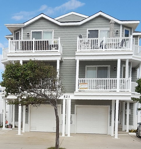 Estate Sales Near Me This Weekend: OCEAN SIDE TOWNHOUSE