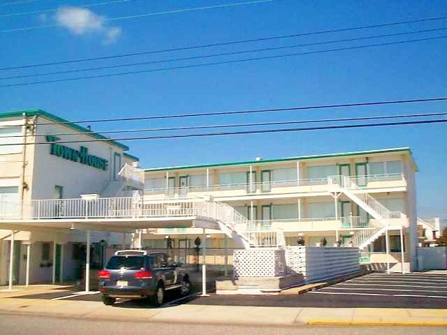 8200 Atlantic Avenue 30 Townhouse Condominiums