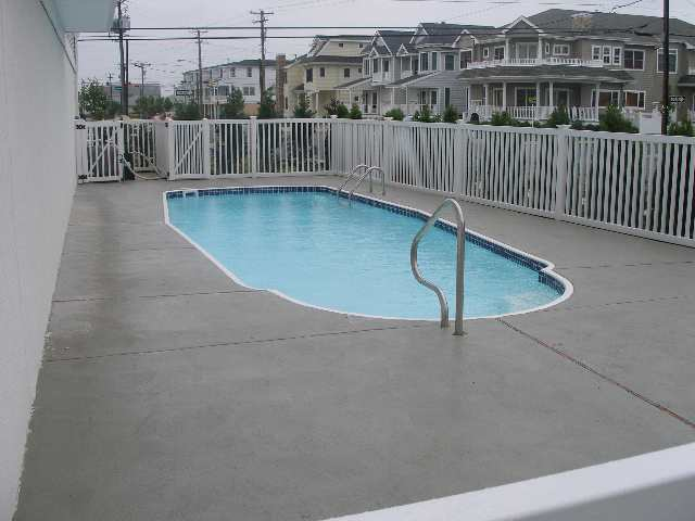 WILDWOOD CREST SUMMER VACATION RENTALS WITH POOLS - ISLAND REALTY GROUP
