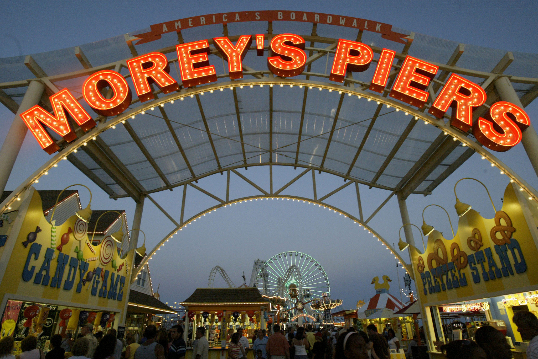 Been going to Morey's piers since I was in the womb. Couldn't think of a better vacation spot for my family and I. I go here every summer and there's always something to do.